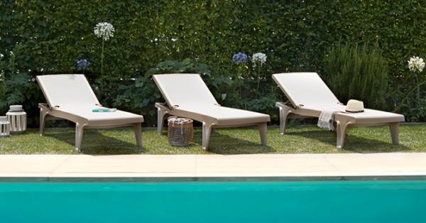 Tumbonas para piscinas y spas de hoteles y resorts