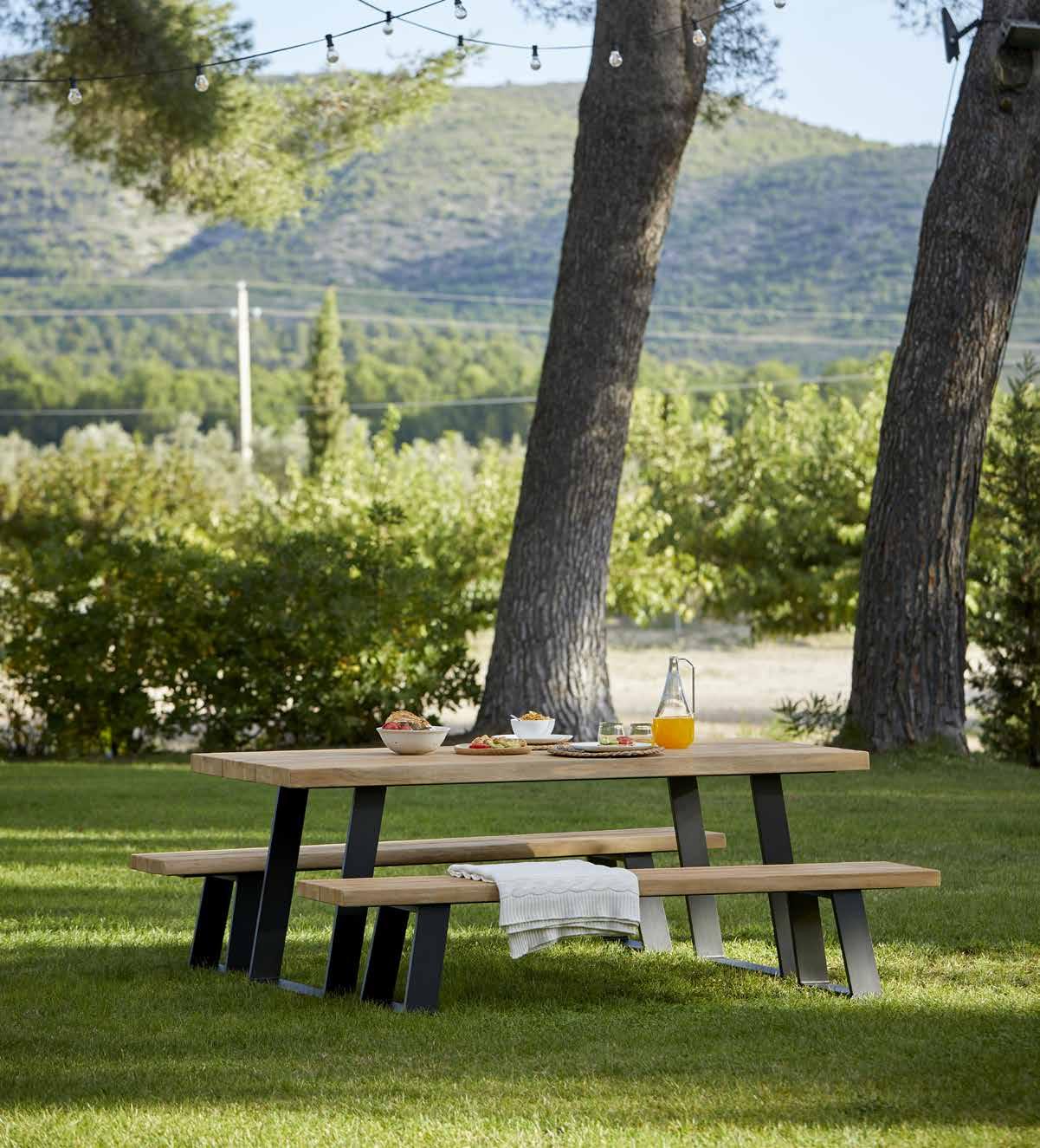 sillas y mesas de jardín